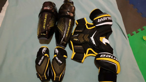 Kids Bauer Shoulder, Shin & Elbow Pads - Like New