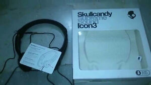 Skullcandy Icon 3 with TapTech Mic Premium Wired Headphone - Bla