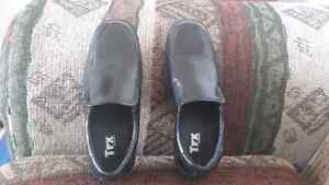 Boys Size 3 Dress Shoes Peterborough Peterborough Area image 1