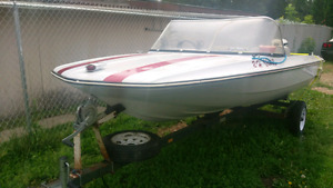 Fibreglass boat Good condition considering the year. Can be seen