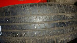 Set of 2 tires 22560R17