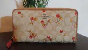 Authentic Coach Wallet - Brand New with Tag