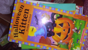Halloween kitty puzzle 28 oversized pieces
