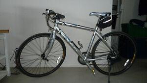 Vélo Hybride marque OPUS (  BAISSE DE PRIX )