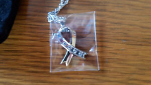 WillLand Ribbon Pendant with Swarovski crystals