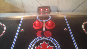 Harvard Air Hockey Table! Very Good Condition With Accessories Gatineau Ottawa / Gatineau Area image 3