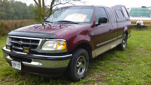 1998 Ford E-150 Pickup Truck