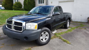 2005 Dodge Dakota V8 4.7L - Négo - 113000 km