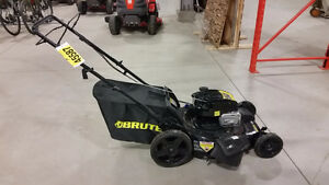 Lawnmowers, Trimmers, and more Power Equipment at Auction Kitchener / Waterloo Kitchener Area image 5