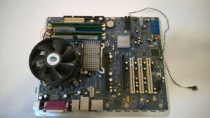 Intel D955XBK motherboard with CPU and memory