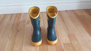 10$ Belles bottes de pluie BOGS Grandeur 8 / 24 Garçon