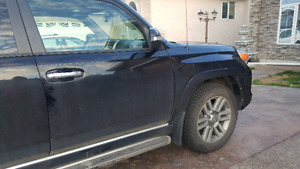 2011 Toyota 4Runner-2 sets of tires, fully loaded