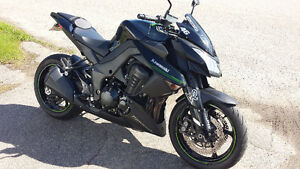 KAWASAKI Z1000 2011 FULL BLACK !!