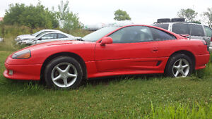 1991 Dodge Stealth full PIECES OU ROUTE 900.00 TEL:514-242-2201