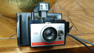 Wow - Vintage 1969 Early Polaroid Camera - 195X Cold Clip