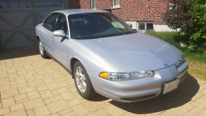 2000 Oldsmobile Intrigue GL - 49,000km, Excellent Condition
