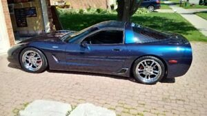 2001 Chevrolet Corvette Coupe (2 door) REDUCED FROM $19000