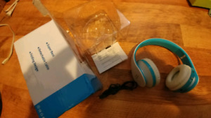 BLUETOOTH WIRELESS HEADPHONES WITH CHARGE CABLE