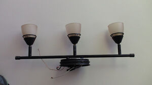 Light fixture with 3 lights
