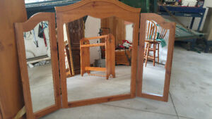 Solid pine 3 sided mirror and blanket rack