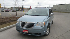 2008 Chrysler Town & Country, Stow & go, 3/ Y warranty available