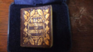 bijou miniature book from early 1900s in great cond