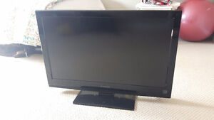 32 inch flat screen Dynex TV for sale