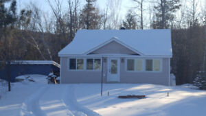 Recently Renovated Year Round Cottage for RENT!!!
