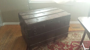 Large trunk / chest / blanket box