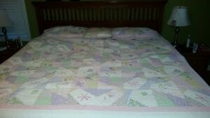 Quilt with pillow cases and throw pillow