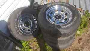 4 pneu 205/75R14 14 pouces 1530lbs par pneu ideal trailer