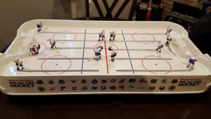 Vintage Wayne Gretzky Rod Table Hockey Game