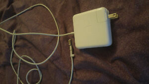 Apple Macbook 5 Pin charger perfect condition Cambridge Kitchener Area image 1
