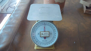 Vintage Look Kitchen Scale, Gold Brand Kitchener / Waterloo Kitchener Area image 1