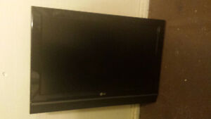 """32"""" flat screen tv's for sale"""