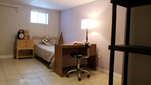 Amazing room  Downtown BloorWestVilage 7min walk to Jane subway