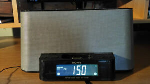 SONY ICF-CS10iPBLCK iPod + iPhone Speaker Dock/Clock Radio