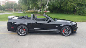 2013 Ford Mustang GT California Special Convertible