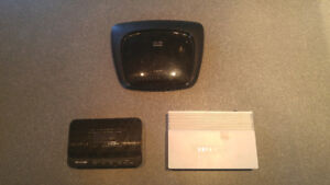 1 CISCO LINKSYS (Router) + 2 TP LINK (Modems) - (NEGOTIABLE)