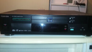 DVD / VCD player Toshiba dual disc with remote control