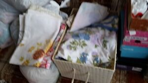 5 SINGLE BED SHEETS + 3 TABLE CLOTHES, $7 FOR ALL,9/10 CONDITION
