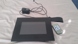 New digital picture frame $30