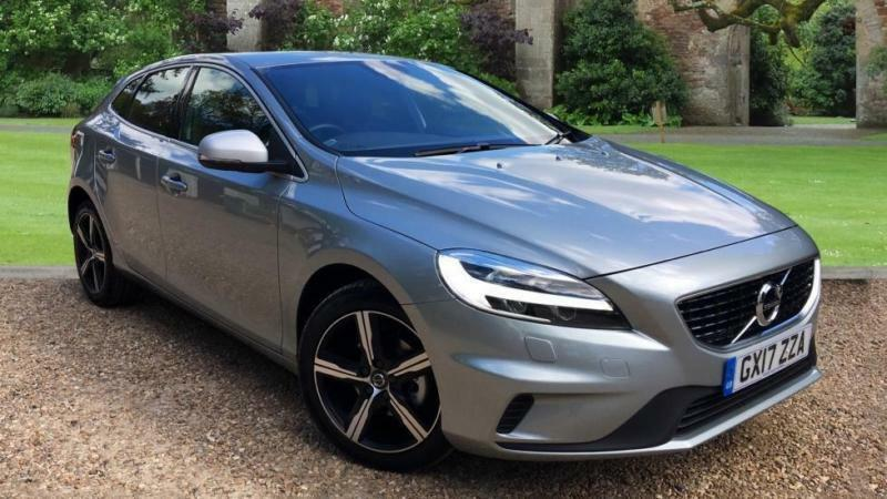 2017 volvo v40 d2 120 r design nav plus wi manual diesel hatchback in horley surrey gumtree. Black Bedroom Furniture Sets. Home Design Ideas