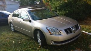 I m selling my 2005 Nissan Maxima $6900 or OBO