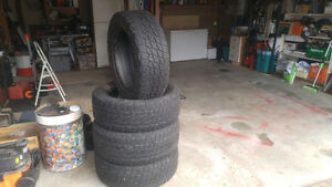 Good used truck tires  275/55 R20