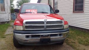 1998 Dodge Ram 1500 4x4 8ft box saftied and etested 2900 obo