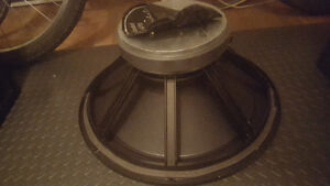 """Wharfedale D-619 18"""" woofer"""