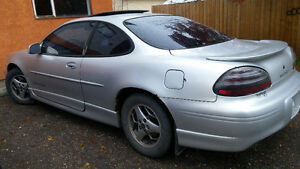 2003 Pontiac Grand Prix Coupe (2 door) Prince George British Columbia image 6