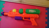 2 Water guns, great condition. Why buy new?