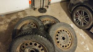4 pneus d'hiver - winter tires 225/60/17